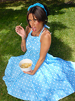Aliana star pinup girl. Chocolate pinup girl Aliana Star stripping outdoors